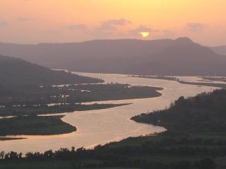 chiplun-river.jpg