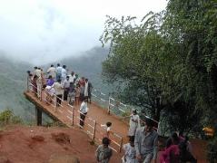 mahabaleshwar-arthurs-seat.jpg