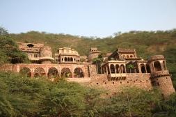 sariska-palace.jpg
