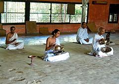 mauji-auniati-monastery.jpg
