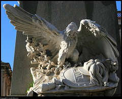 cagliari-sardinia-statue.jpg